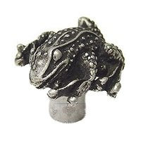 Carpe Diem Hardware - Oak Hollow Waterscape - Frog Large Knob in Cobblestone